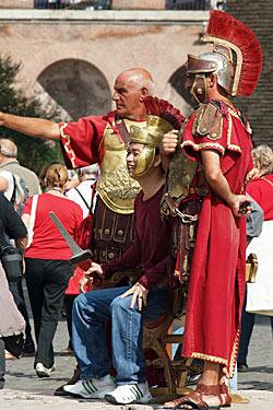 How to Avoid The Most Common Travel Scams: 'Gladiators' at the Colosseum, Rome